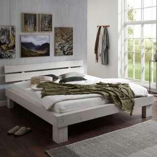 Balkenbett massiv aus Fichtenholz White Wash Oberflläche