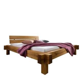 Balkenholzbett aus Wildeiche Massivholz rustikalen Landhaus Design