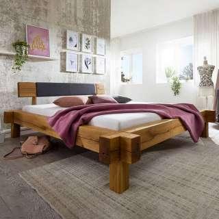 Balken Holzbett aus Wildeiche Massivholz rustikalen Landhaus Design