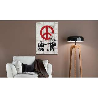 home24 Bild Soldiers Painting Peace by Banksy