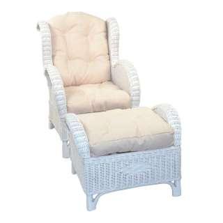 Weißer Rattan Sessel mit Fußhocker und (zweiteilig)